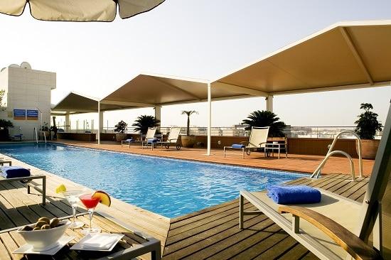 Novotel Sevilla piscina