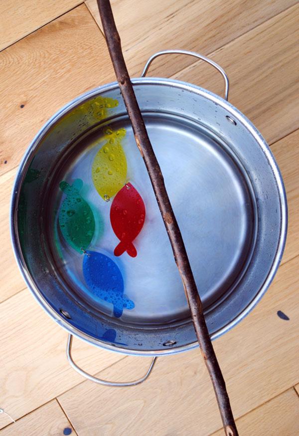 Juego para ni os vamos a pescar pequeocio for Parrilla de actividades casa del agua
