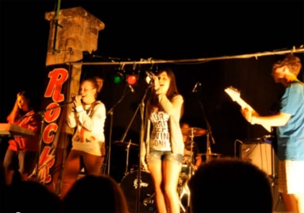 Rock Camp, ¡campamento musical para adolescentes!