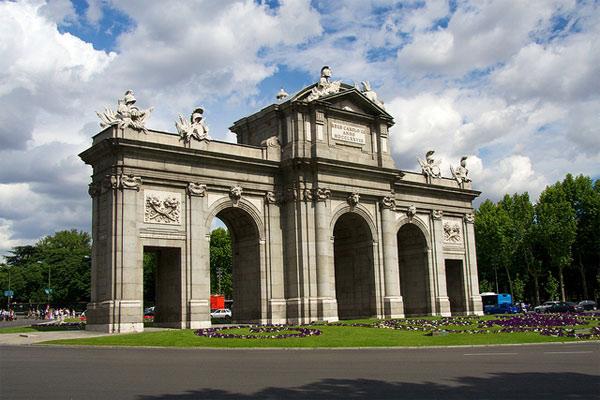 Viajar a Madrid con niños en verano