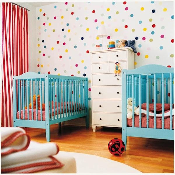 C mo decorar la habitaci n de beb s gemelos pequeocio for Cuartos para ninas gemelas