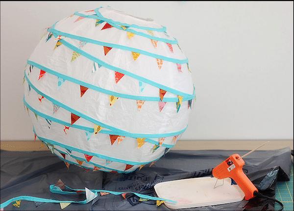 Decoración infantil: ¡una lámpara de papel muy divertida!