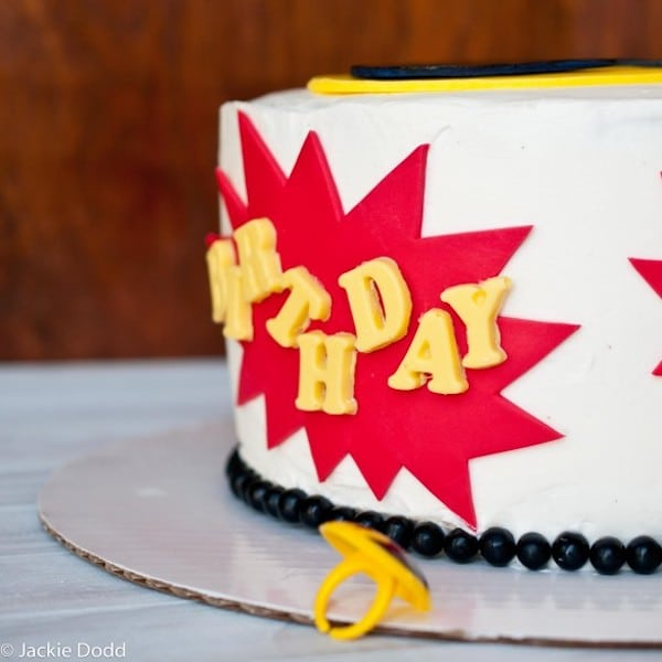 paso a paso para hacer una tarta de cumpleaños de Batman