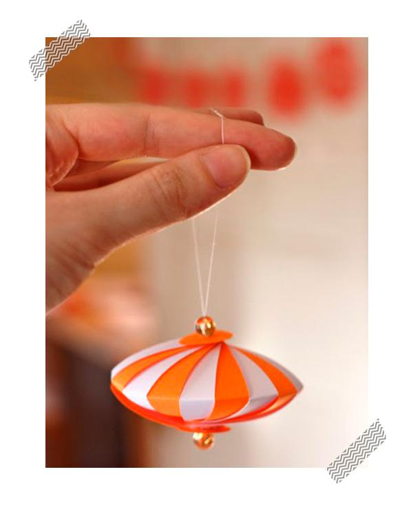 Adornos caseros de papel para el rbol de navidad for Adornos navidenos origami paso a paso