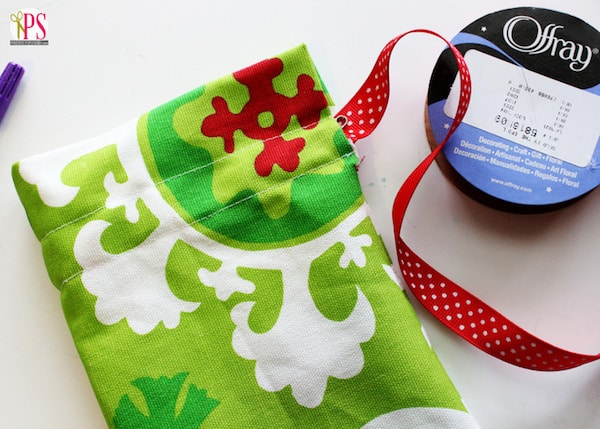 explicación para hacer una bolsa de tela para regalo