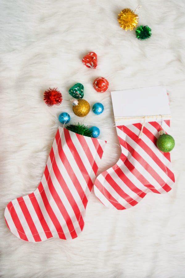 calcetines de papel para envolver regalos