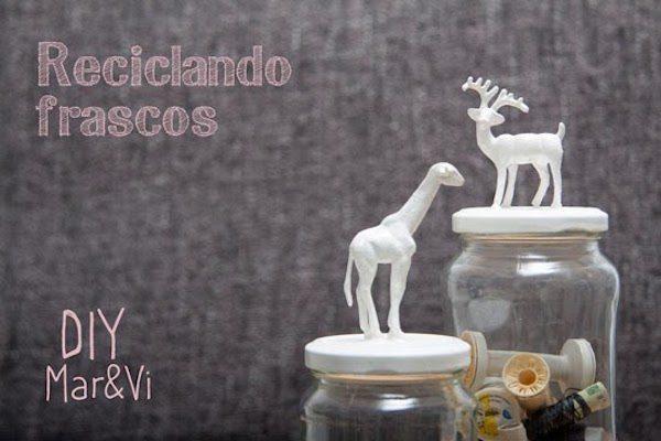 frascos de cristal con animalitos