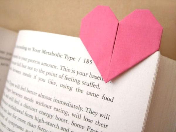 marcapáginas de corazón origami