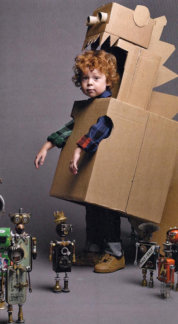 robot dinosaurio de carton