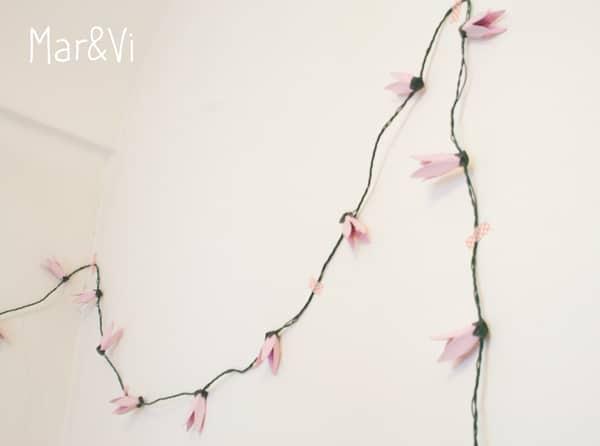 cómo hacer una guirnalda de flores con cartones de huevo