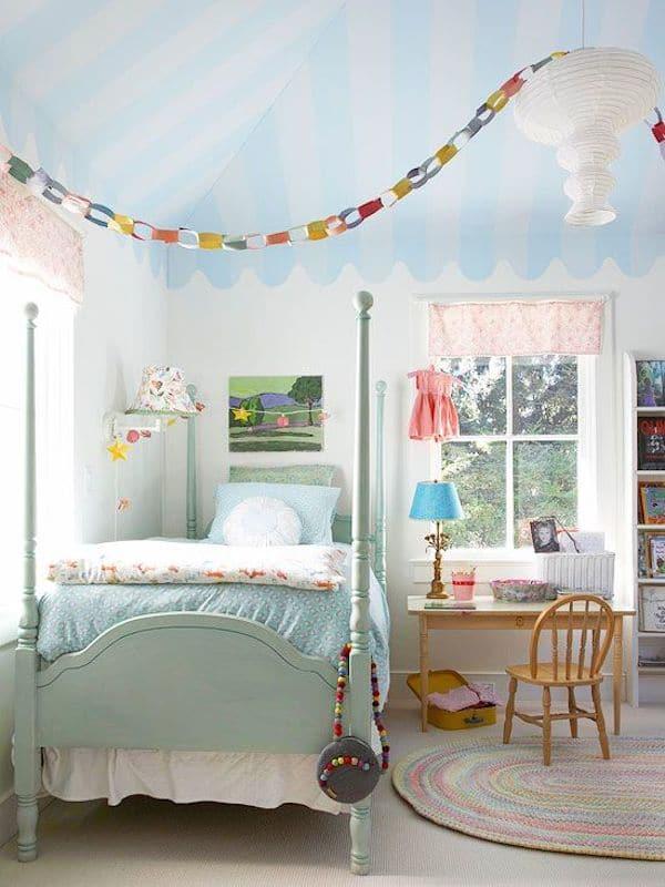habitacin infantil decorada con guirnaldas de papel decorar con guirnaldas