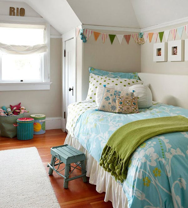 guirnaldas decorativas en la habitación infantil