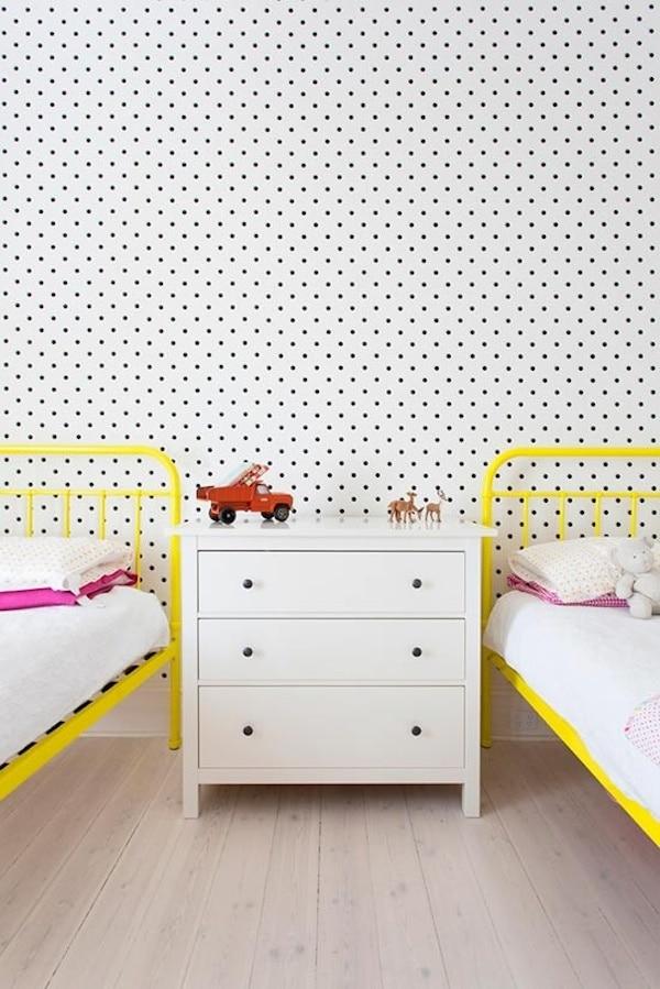 decorar el dormitorio infantil con lunares