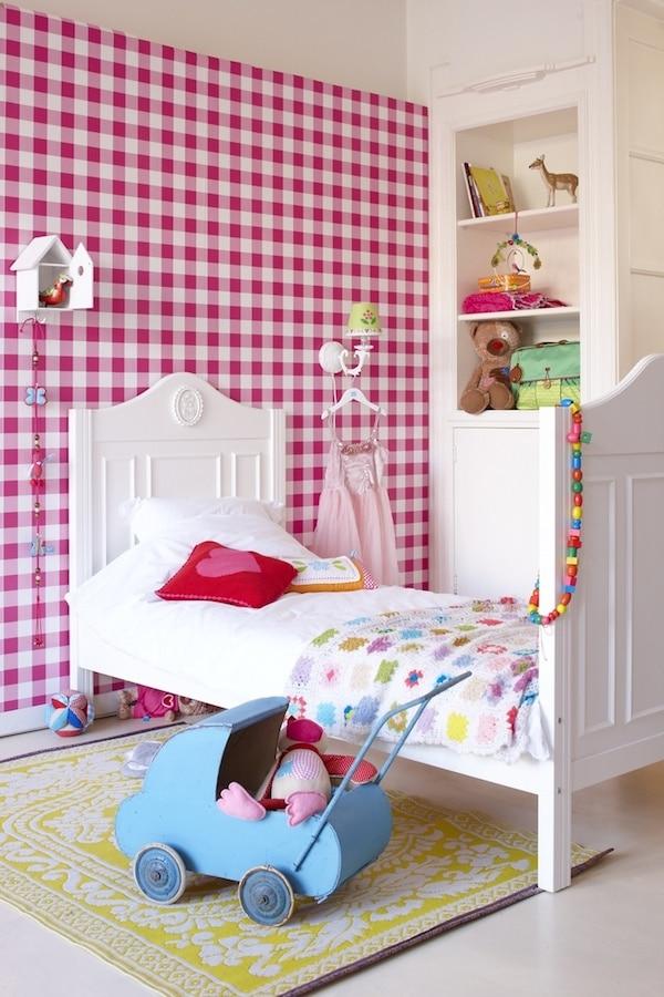 cómo decorar la habitación con color rosa