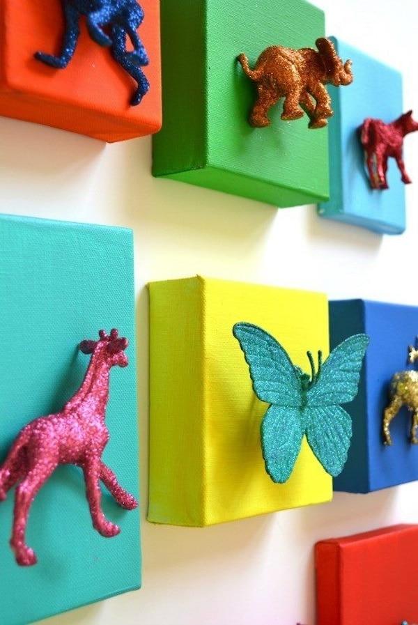 8 ideas para reciclar juguetes viejos pequeocio - Cuadros pequenos para decorar ...