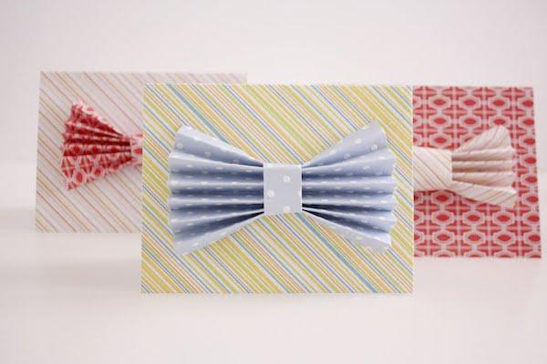 tarjeta del día del padre con pajarita de papel