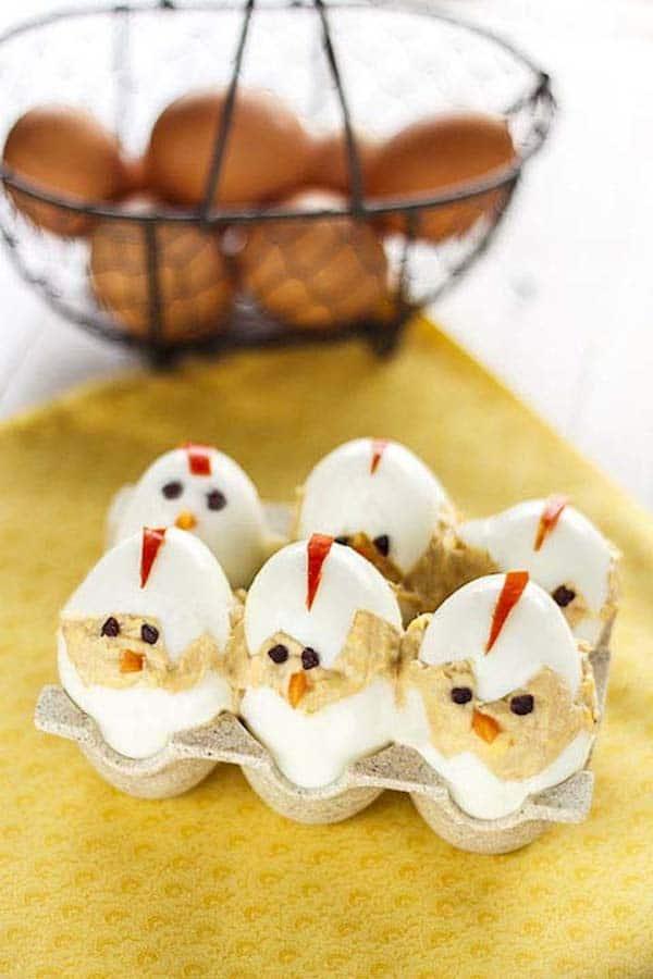huevos rellenos para Pascua
