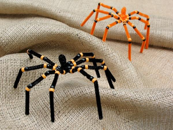 arañas hechas con limpiapipas