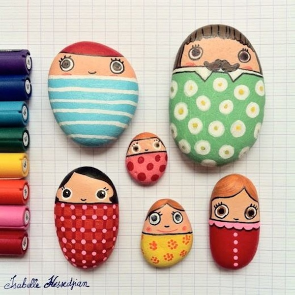 personajes de piedras pintadas