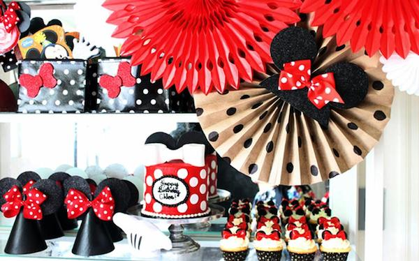 7 ideas para un cumplea os de minnie mouse - Decoracion en cartulina para cumpleanos ...