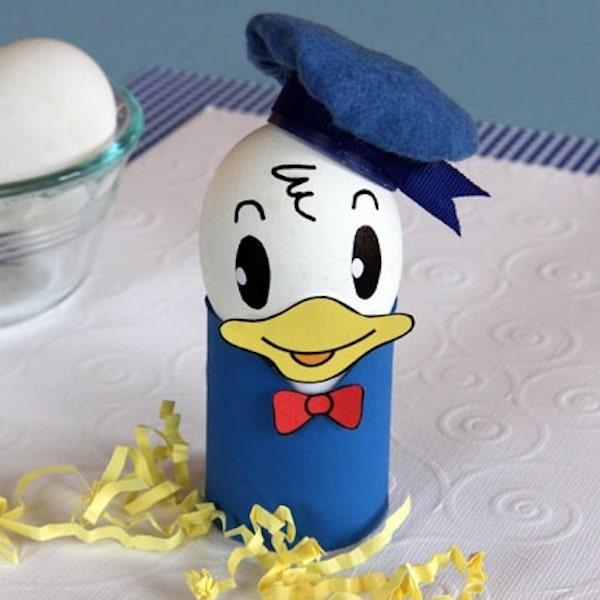 Huevo de Pascua decorado con Donald