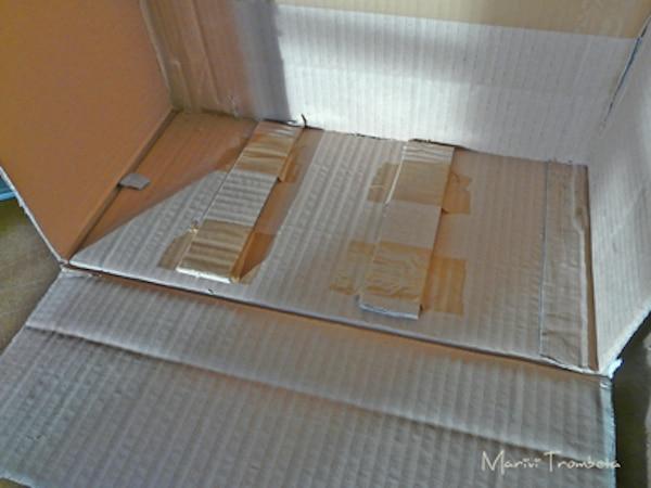 Un armario de cart n para la cocina de juguete pequeocio - Como empapelar un armario ...
