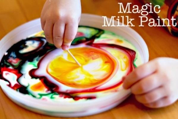 Pintura mágica de leche