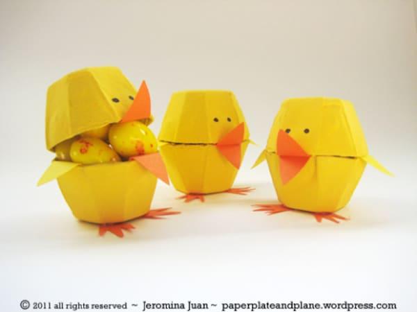 Pollitos de Pascua hechos con hueveras