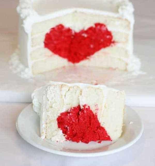 cómo hacer una tarta con corazón en el centro