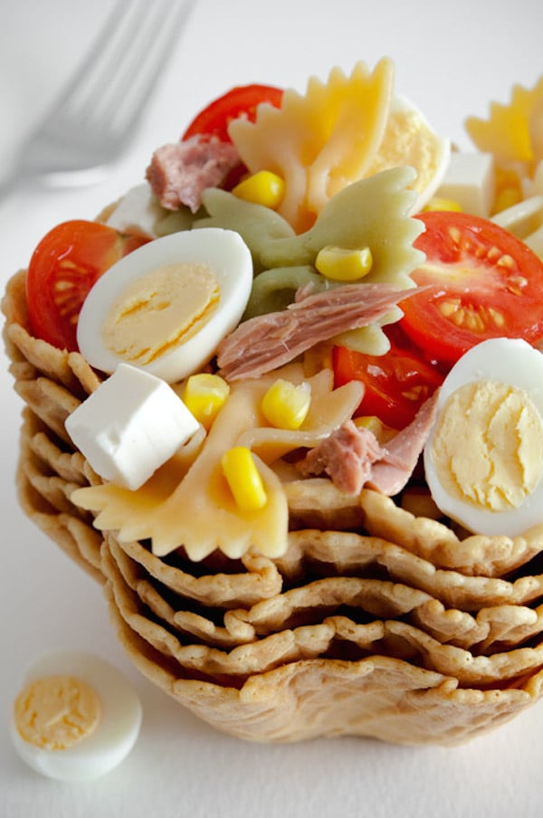 ensalada de pasta con atún y huevo