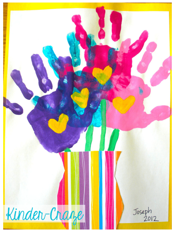 cuadro con huellas de manos