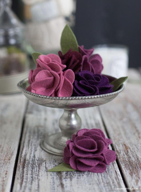 tutorial para hacer flores de fieltro