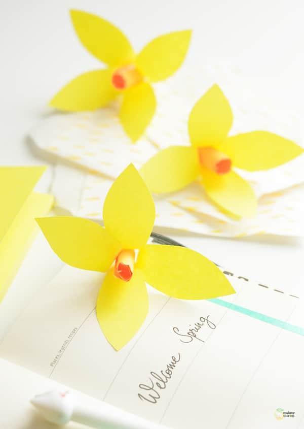 cómo hacer lirios de papel