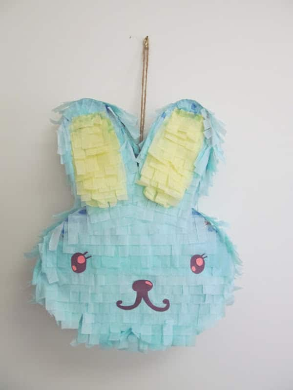 piñata en forma de conejo