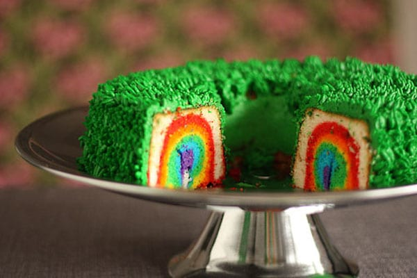 Bizcocho con arco iris