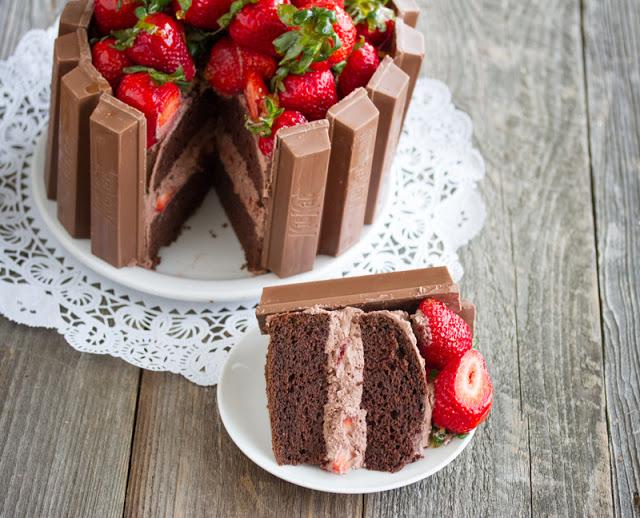 Tarta fácil de chocolate y fresas
