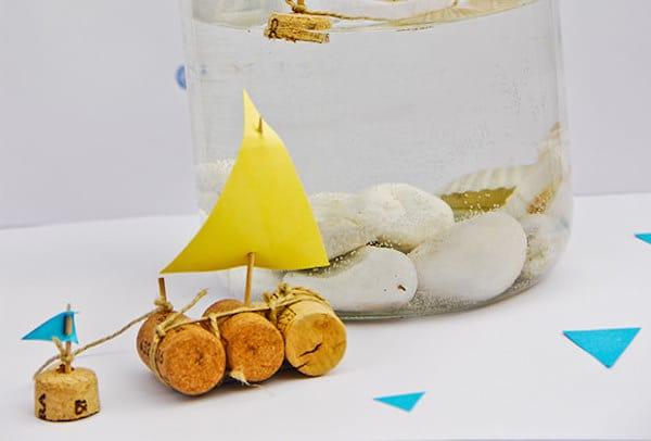 barcos de corchos