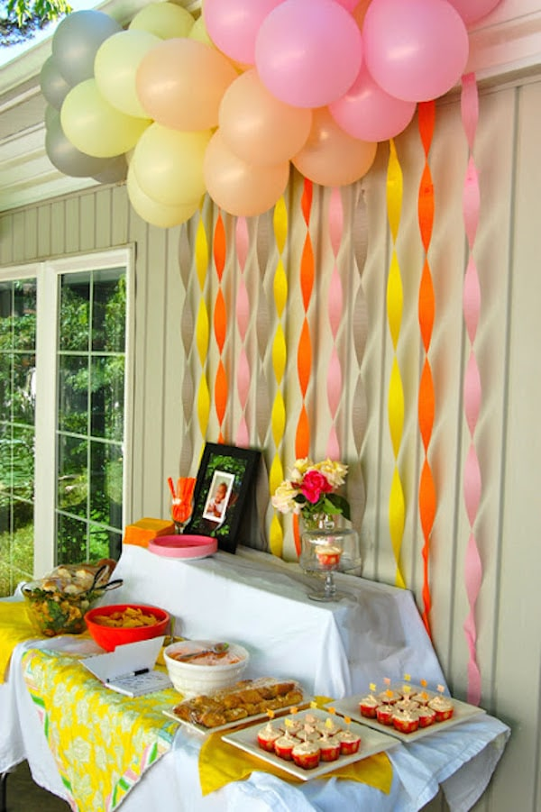 Fiestas infantiles decorar con globos pequeocio for Decoracion simple con globos