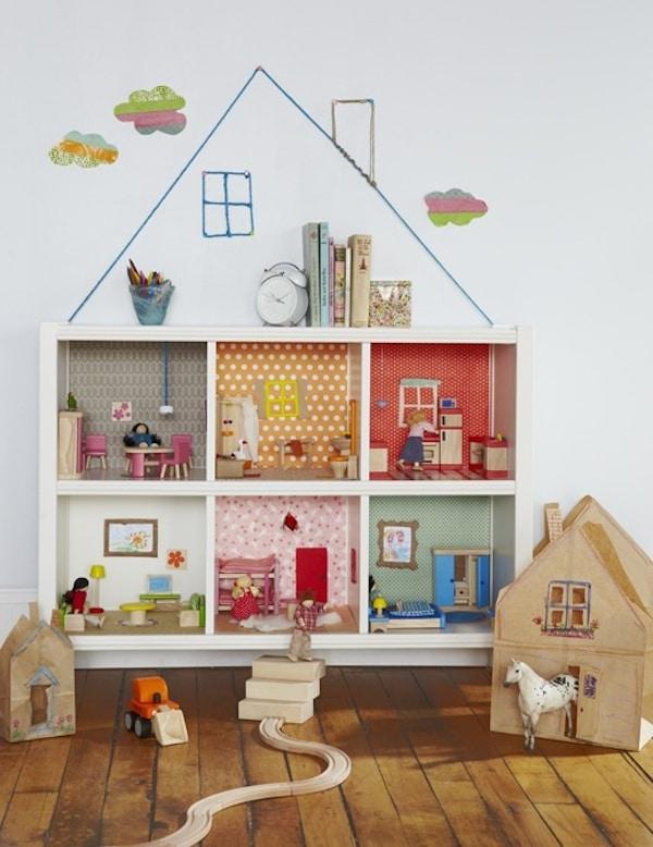 casa de muñecas con estantería Ikea