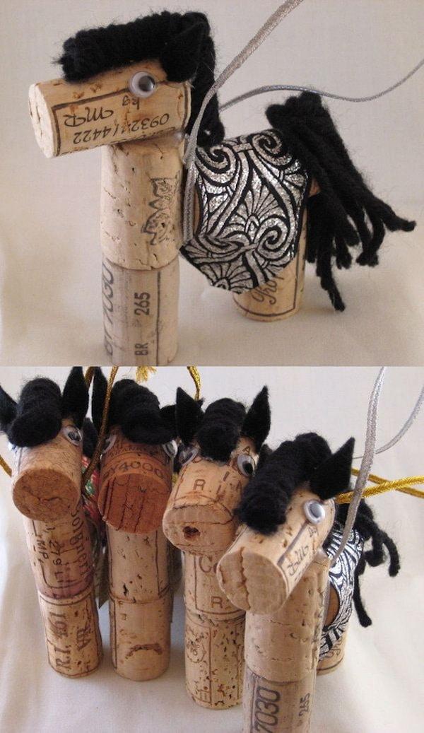 8 manualidades infantiles con corchos pequeocio - Manualidades de caballos para ninos ...