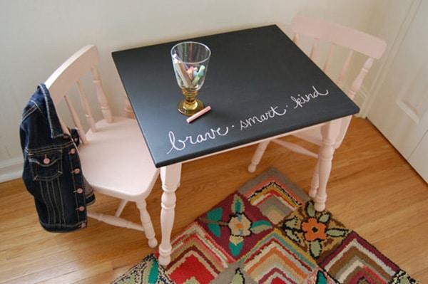 Mesa y sillas infantiles personalizadas