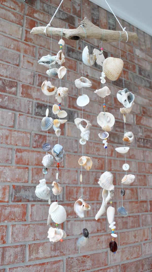 Móvil de conchas marinas
