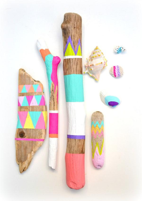 Manualidades f ciles para ni os pintar palos pequeocio - Casas decoradas con papel pintado ...