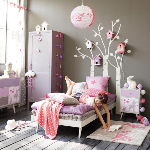 Murales y vinilos 10 ideas para habitaciones infantiles pequeocio for Chambre fille beige et mauve