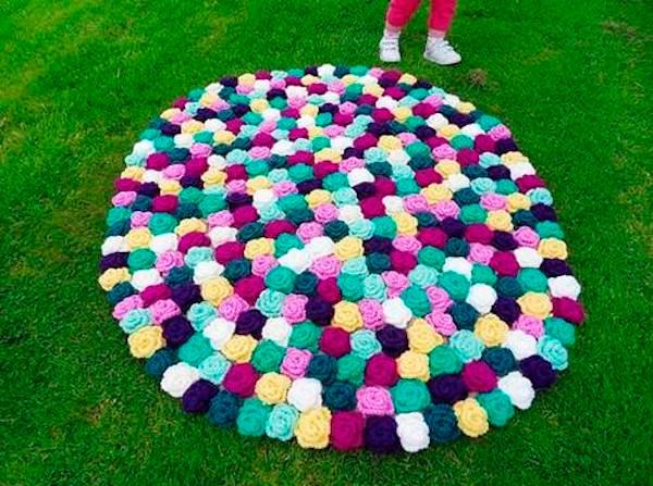 5 alfombras infantiles caseras pequeocio for Como hacer alfombras en bordado chino