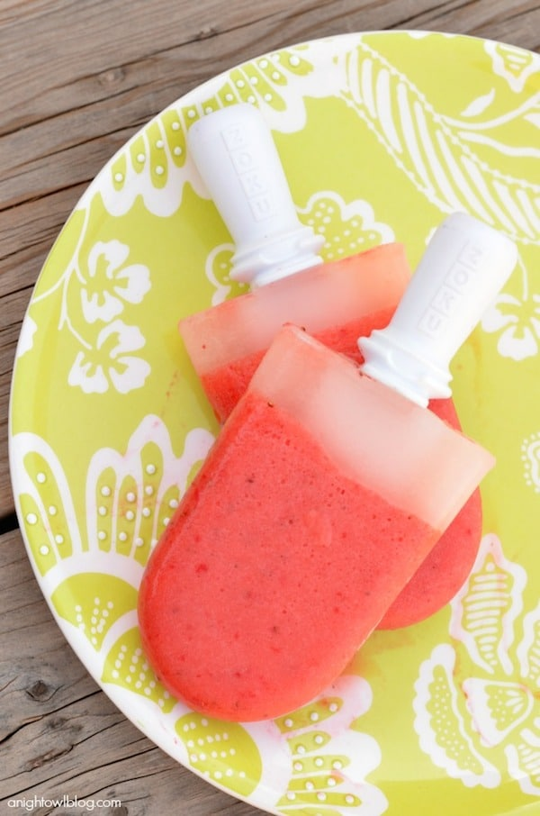 Helado de polo de limonada de fresa