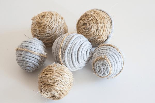 Adornos para decorar tu casa con trapillo y cuerda - Bolas transparentes para decorar ...