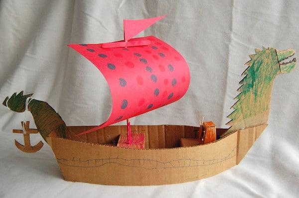 Barcos de cartón para niños