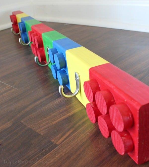 6 percheros de pared para ni os muy originales pequeocio for Modelos de percheros