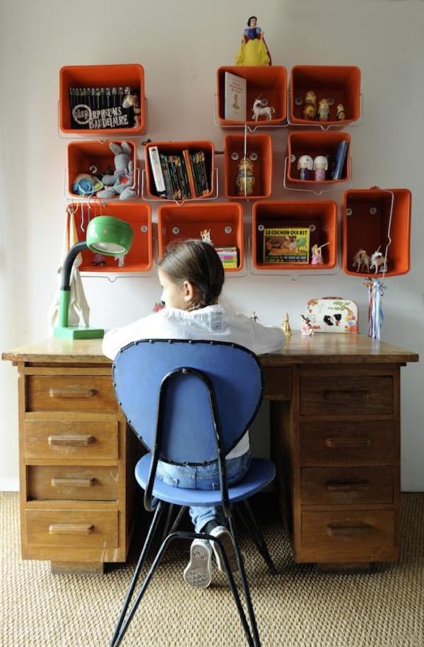 Habitaciones infantiles escritorios en orden pequeocio for Escritorios de ninos